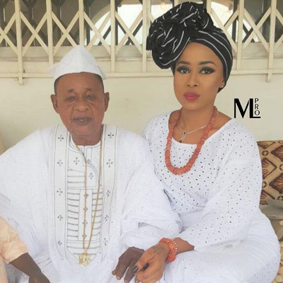 Alaafin with his youngest wife, Ayaoba Ajoke